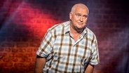 Das Foto zeigt Markus Maria Profitlich auf der Bühne beim NDR Comedy Contest. © NDR Fotograf: Benjamin Hüllenkremer