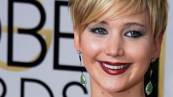 """Panem""-Star Jennifer Lawrence bei den Golden Globe Awards 2014. © dpa - Bildfunk Fotograf: Paul Buck"