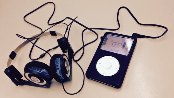 Ein alter iPod-Classic. © NDR/ Pascal Strehler Fotograf: Pascal Strehler