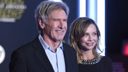 "Harrison Ford und Calista Flockhart bei der  ""Star Wars""-Premiere in Los Angeles. ©  picture alliance / AP Images Fotograf:  Jordan Strauss"