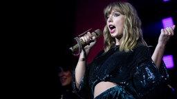 Wir bringen euch zu Taylor Swift nach Paris!
