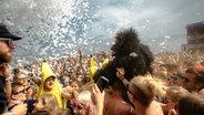 Festivalgäste feiern auf dem Deichbrand Festival. © Deichbrand Festival Fotograf: Chris Zielecki