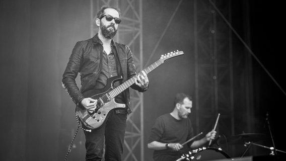 Die Band Cigarettes After Sex bei ihrem Auftritt beim Hurricane Festival 2019 in Scheeßel.