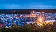 Der Zeltplatz vom Hurricane Festival von oben. © NDR Foto: Julian Rausche