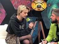 Das Bild ziegt die Sängerin Mo mit N-JOY Moderator Basti Schmitt. © Dennis Bangert / N-JOY Foto: Dennis Bangert