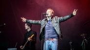 Eindrücke vom Thees Uhlmann Konzert auf dem Deichbrand Festival 2015. © NDR Foto: Benjamin Hüllenkremer