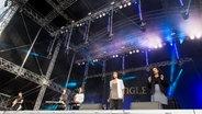 Die Band Jungle auf der Dockville-Bühne © NDR / Benjamin Hüllenkremer Foto: Benjamin Hüllenkremer