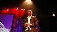 """Ray Cokes auf der Bühne bei """"Ray's Reeperbahn Revue"""". © Imgao/ZweiKameraden Fotograf: ZweiKameraden"""