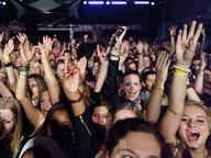 Die Fans einem Konzert beim Reeperbahnfestival © NDR Fotograf: Andreas Kluge