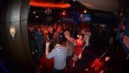 Skinny Lister in Angie's Nightclub © NDR Foto: Marco Maas