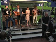 Skinny Lister beim Reeperbus auf dem Reeperbahnfestival 2014.