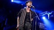 Tom Grennan auf der Bühne beim N-JOY Abend auf dem Reeperbahn Festival 2017. © NDR/N-JOY Fotograf: Benjamin Hüllenkremer
