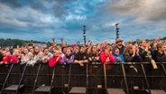 Das Publikum auf dem Hurricane-Festival in Scheeßel 2018. © NDR Foto: Julian Rausche