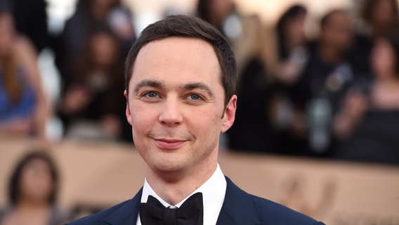 "Schauspieler Jim Parsons von ""Big Bang Theory"" bei den Screen Actors Guild Awards 2016. © Picture Alliance Foto: Jordan Strauss"
