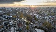 Amsterdam von oben. © picture alliance/imageBROKER Foto: Hans Zaglitsch