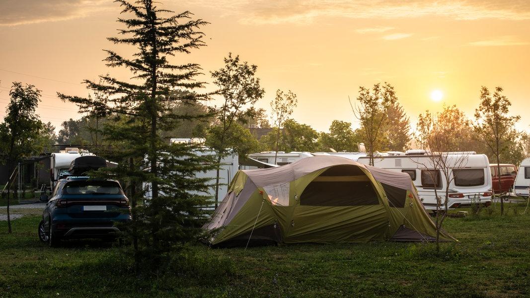 Impressionen vom Campen in der Natur. © deyangeorgiev / photocase.de Foto: deyangeorgiev / photocase.de