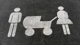 Parkplatzmarkierung für Familien © picture-alliance / Fotoagentur Kunz