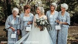 Zuckersüß: Braut macht ihre vier Omas zu Blumenmädchen