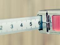 Ein Maßband © andrey-fo / photocase.de Fotograf: andrey-fo