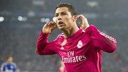 Cristiano Ronaldo bejubelt ein Tor. ©  picture alliance / Sven Simon Foto: Franz Waelischmiller/SVEN SIMON