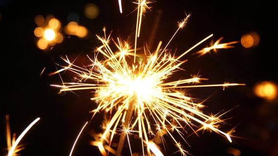 Ein Sternchen löst Funken aus.  © Gesine Siems / photocase.de Foto: Gesine Siems / photocase.de