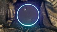 Die Smarthome-Box Echo von Amazon von ob fotografiert. © N-JOY Fotograf: Eva Köhler