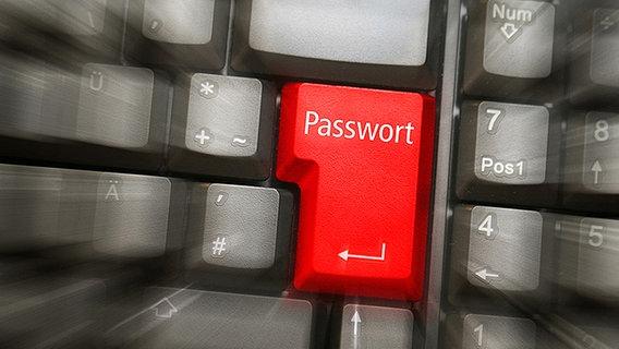 Entertaste mit Beschriftung -Passwort- © Fotolia.com Foto: sk_design