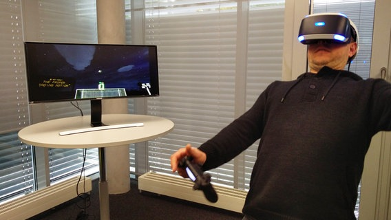 N-JOY Moderatoren testen die Playstation VR © N-JOY Fotograf: N-JOY