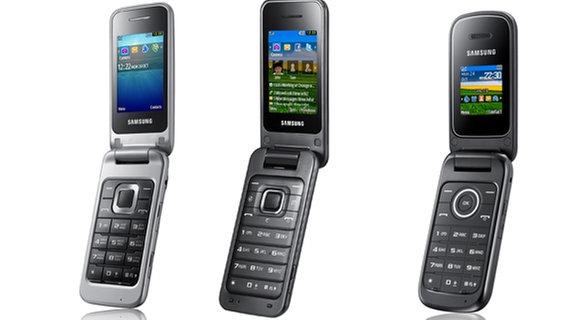 Das Bild zeigt Klapphandys von Hersteller Samsung. © CBS Entertainment