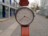 Eine Armbanduhr  mit Ziffernblatt. © N-JOY Fotograf: Eva Köhler