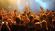 Publikum bei einem Live-Konzert © picture alliance / Jazz Archiv