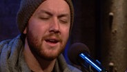 "Screenshot: SWR3-Video ""Matt Simons unplugged: ""Catch and Release"""" © swr3.de"