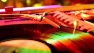 DJ-Plattenteller © picture-alliance