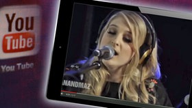 "Montage: Screenshot: YouTube-Clip ""Meghan Trainor Covers ""Shake It Off"""" © youtube.com"