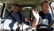 "Zu sehen ist ein Screenshot aus dem Youtube-Video ""Stevie Wonder Carpool Karaoke"". © Youtube / The Late Late Show with James Corden Fotograf: Screenshot: https://www.youtube.com/watch?v=qqrvm2XDvpQ"