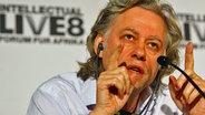 Musiker Bob Geldof bei einer Pressekonferenz in Berlin 2007. © (c) dpa Fotograf: Soeren Stache
