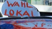 Auf einem Schild steht Wahllokal. © U18-Netzwerk