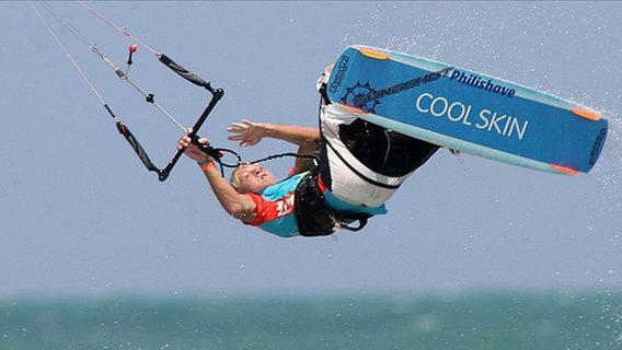 Kite-Surfer © picture-alliance/dpa