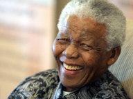 Der ehemalige Präsidentvon Südäfrika Nelson Mandela 2006 in Johannesburg.  Fotograf: epa Kim Ludbrook