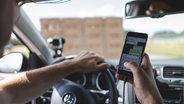"""Impressionen vom Videodreh zu """"Kopf hoch. Das Handy kann warten"""" auf der Teststrecke. © NDR / N-JOY Foto: Philipp Szyza"""
