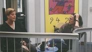 Ein Blick hinter die Kulissen bei N-JOY in den 90er Jahren. © N-JOY