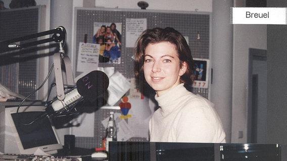 Ein Blick hinter die Kulissen bei N-JOY in den 90er Jahren: Moderatorin Susanne Breuel. © N-JOY