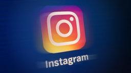 Das Logo von Instagram auf einem Screen. © NDR