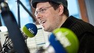 Christian Hinkelmann im Studio von N-Joy © NDR Fotograf: Michael Müller