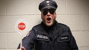 Dennis Dabelstein von der neuen N-JOY Pisapolizei © NDR