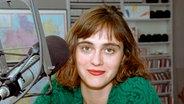 Caren Miosga 1995 als Moderatorin bei N-JOY © NDR